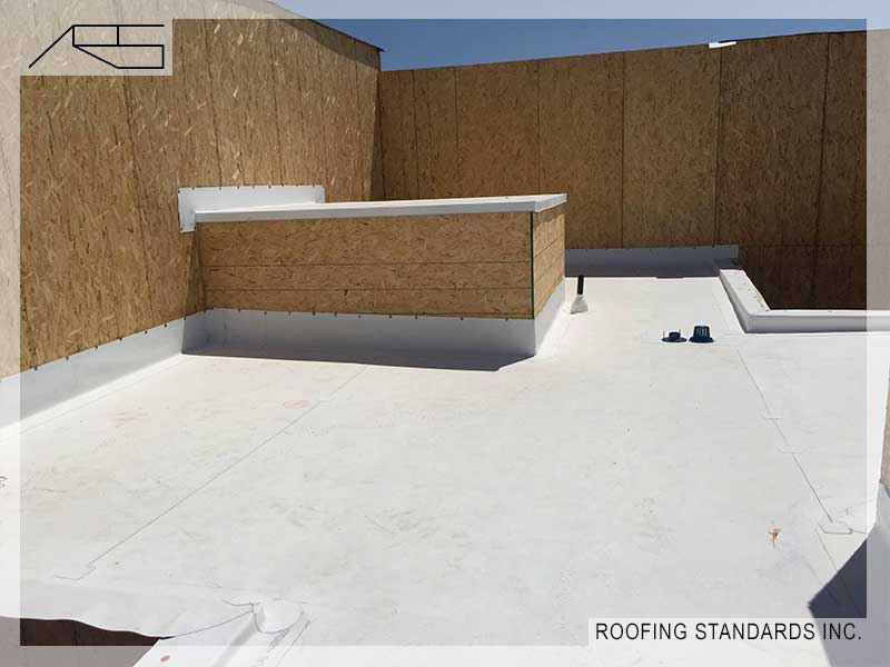 350 Main And Pch Plaza Roofing Standards Inc